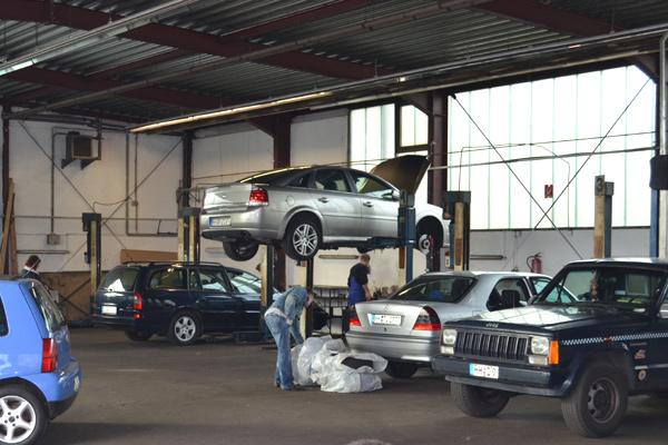 Autoselbsthilfewerkstatt Oststeinbek